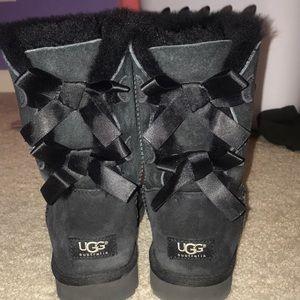 UGG Shoes - UGG bailey bow boot